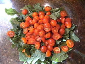 sliced grape tomatoes