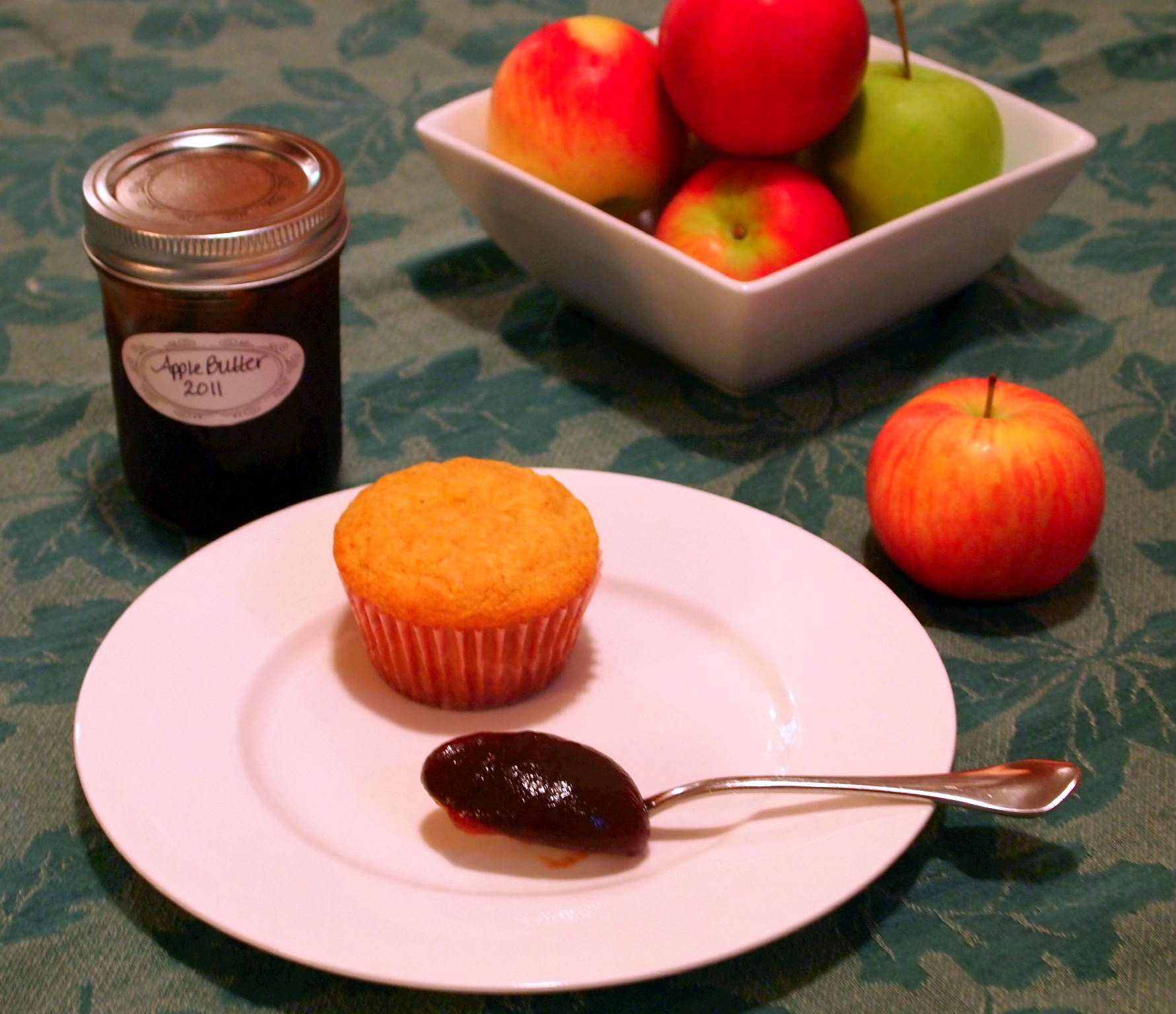 Overnight Apple Butter - Comfortably Domestic