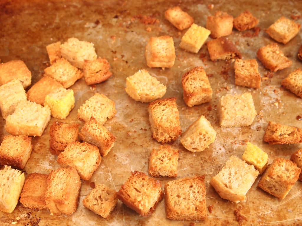 How to make homemade croutons | Comfortably Domestic