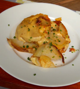 Slow Cooker Scalloped Potatoes with Bacon
