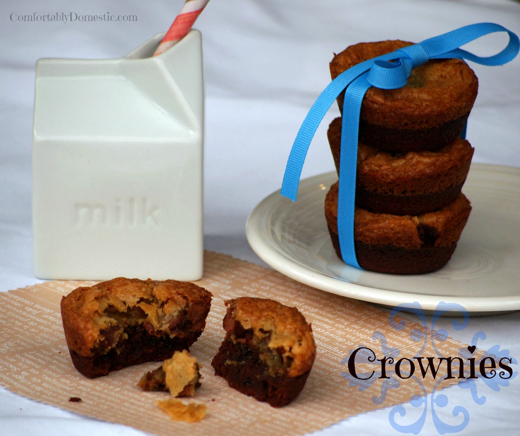 Crownies are a delicious dessert combination of soft chocolate chip cookies and fudgy, chewy brownies. | ComfortablyDomestic.com