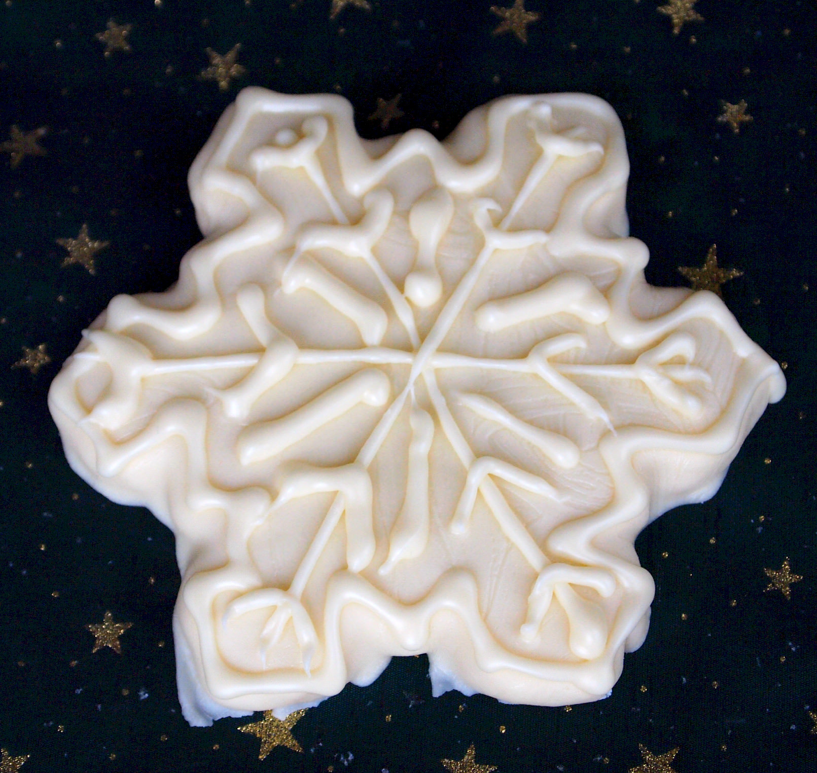 Decorated Shortbread Cookies will be the prettiest holiday cookies on your Christmas cookie platter! Get the recipe from ComfortablyDomestic.com