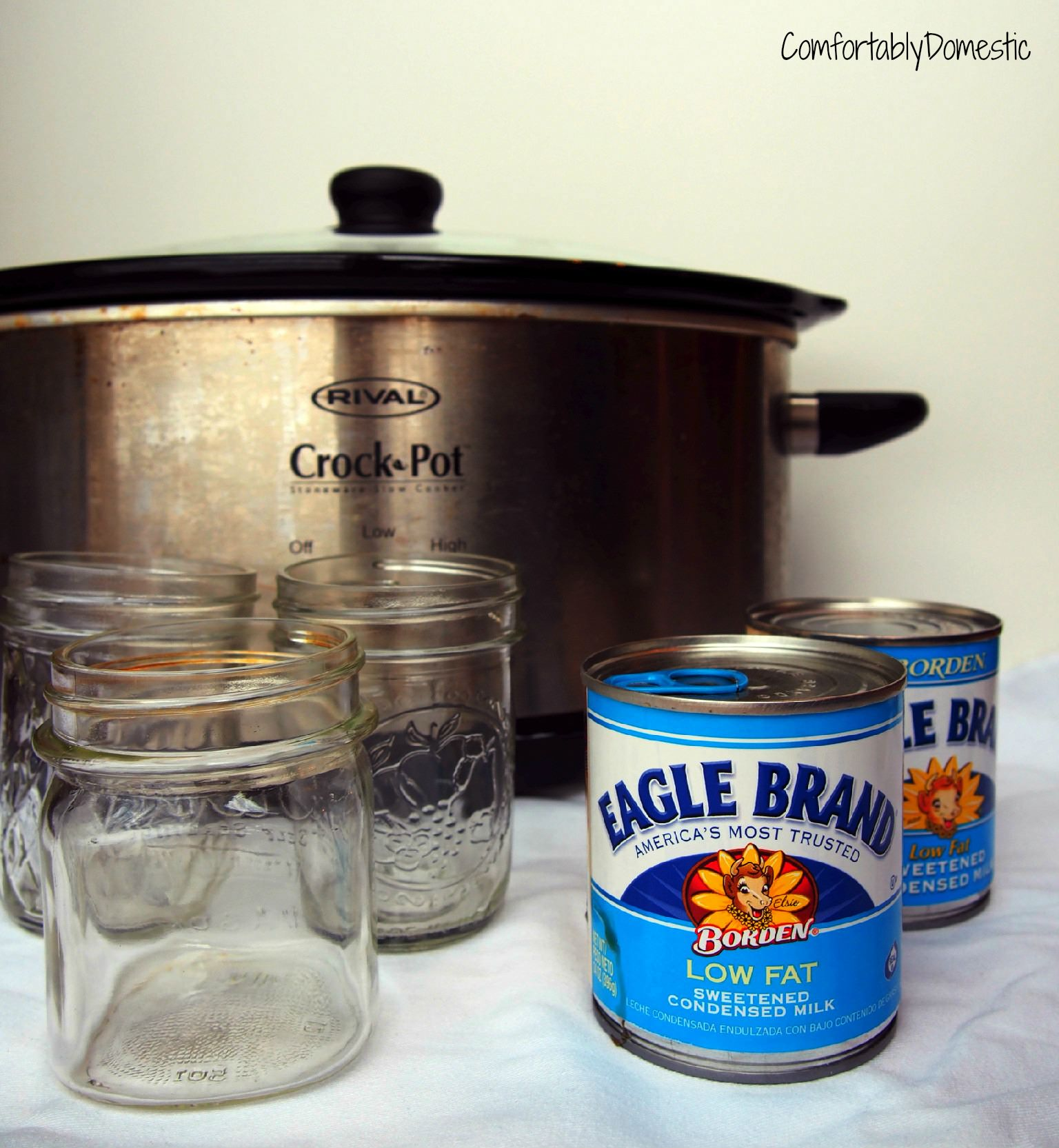 Crock Pot Dulce De Leche Caramel, made without corn syrup! Just 5 minutes of prep time for this delicious caramel sauce! | ComfortablyDomestic.com