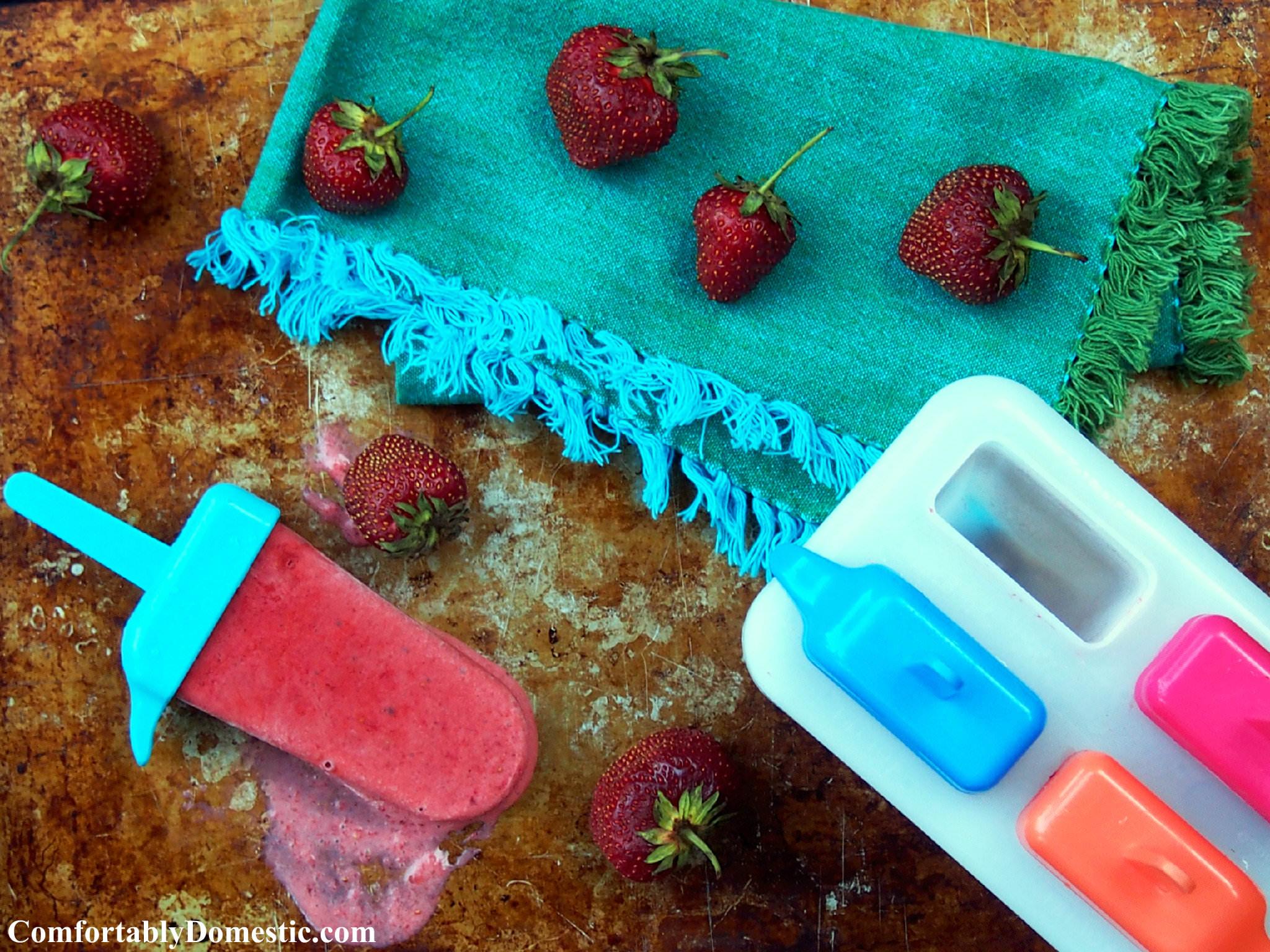 Strawberries and Cream Frozen Fruit Bars | ComfortablyDomestic.com