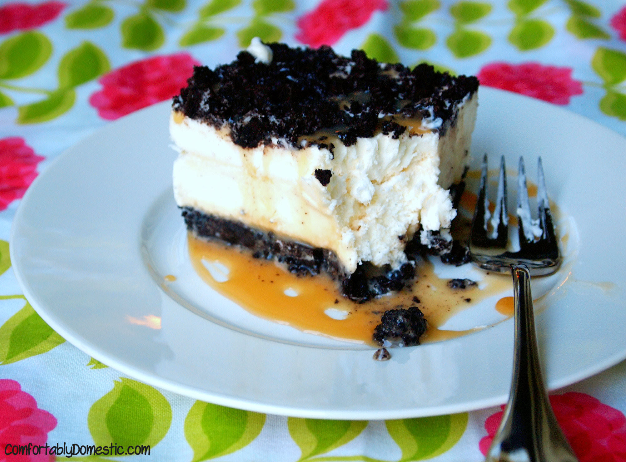 Oreo Ice Cream Cake | ComfortablyDomestic.com