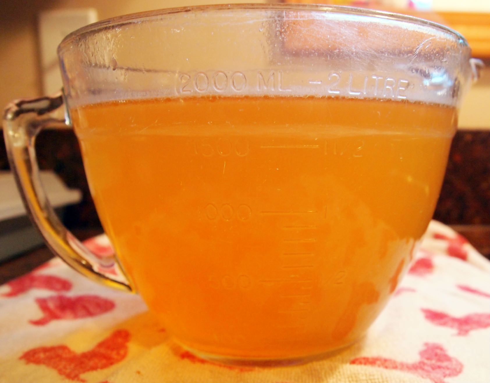 Homemade Chicken and Vegetable Stock | ComfortablyDomestic.com