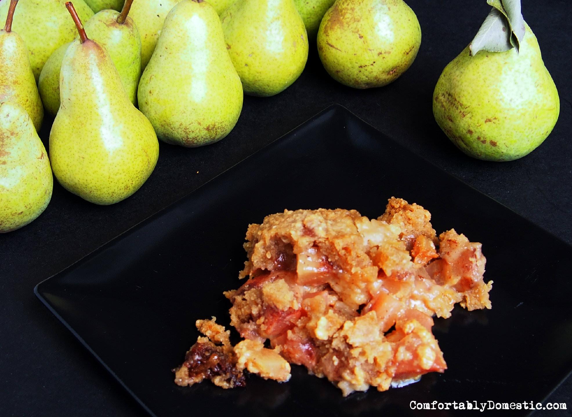 Overnight Pear Cobbler {Slow Cooker Recipe}