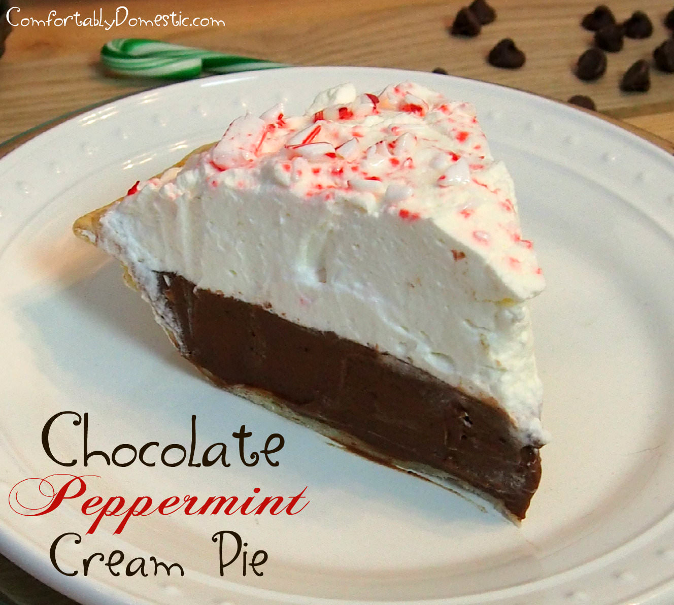 Chocolate Peppermint Cream Pie || ComfortablyDomestic.com