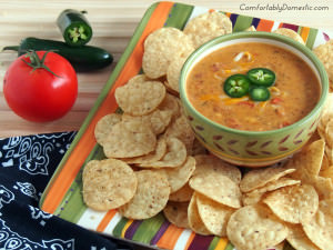 Chile con Queso con Chorizo {Easy Appetizers}