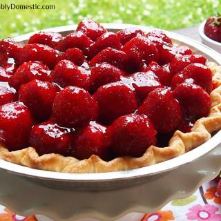 Fresh Strawberry Pie | ComfortablyDomestic.com