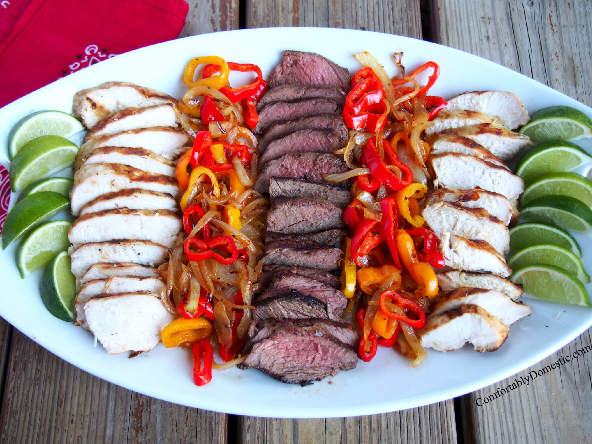 Simple Chicken or Steak Fajitas | ComfortablyDomestic.com