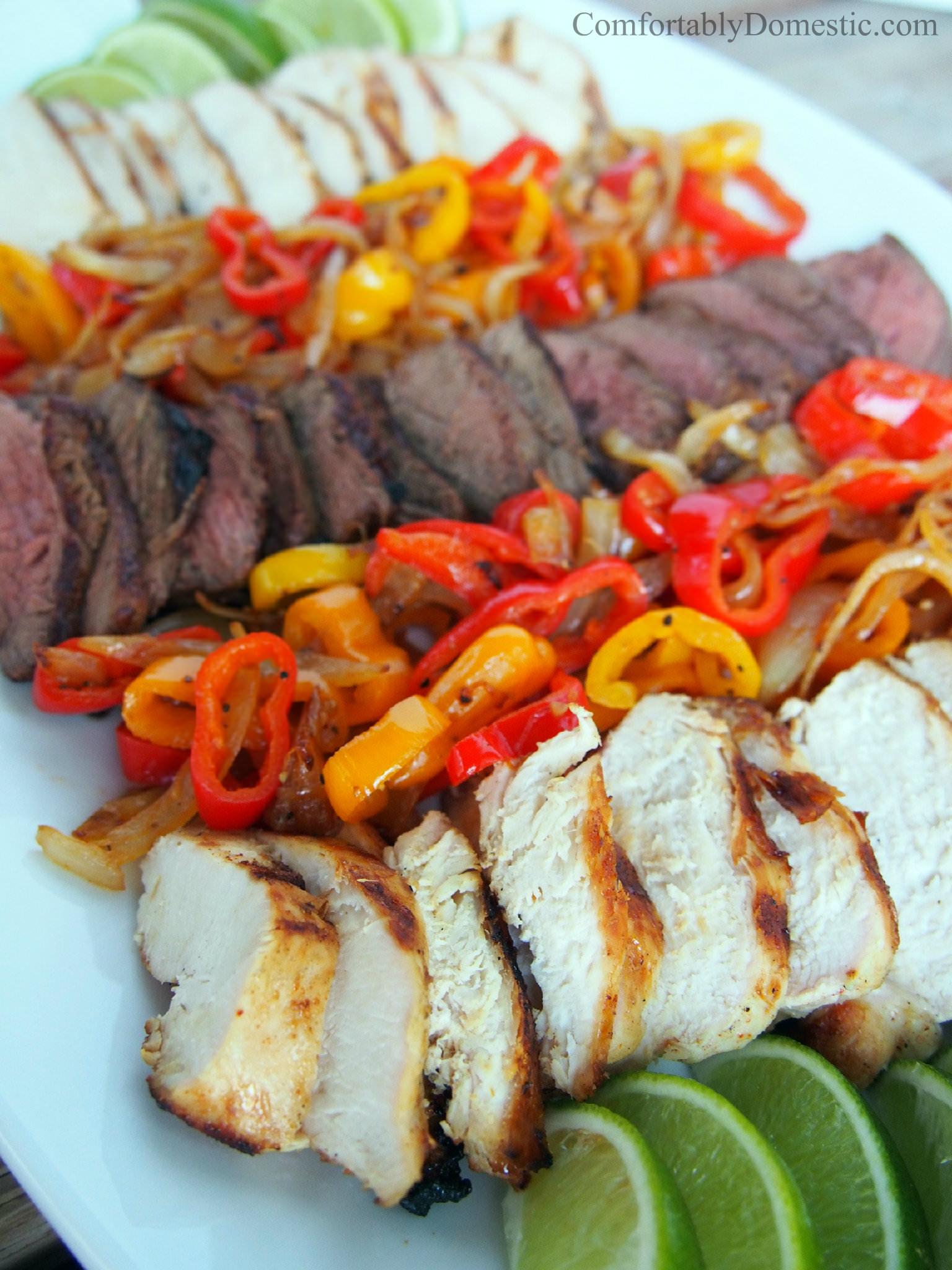 Grilled Chicken Faitas or Steak Fajitas | ComfortablyDomestic.com