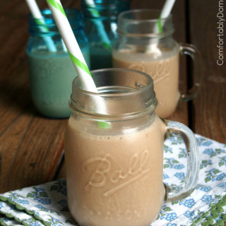Chocolate for Breakfast Smoothies | ComfortablyDomestic.com