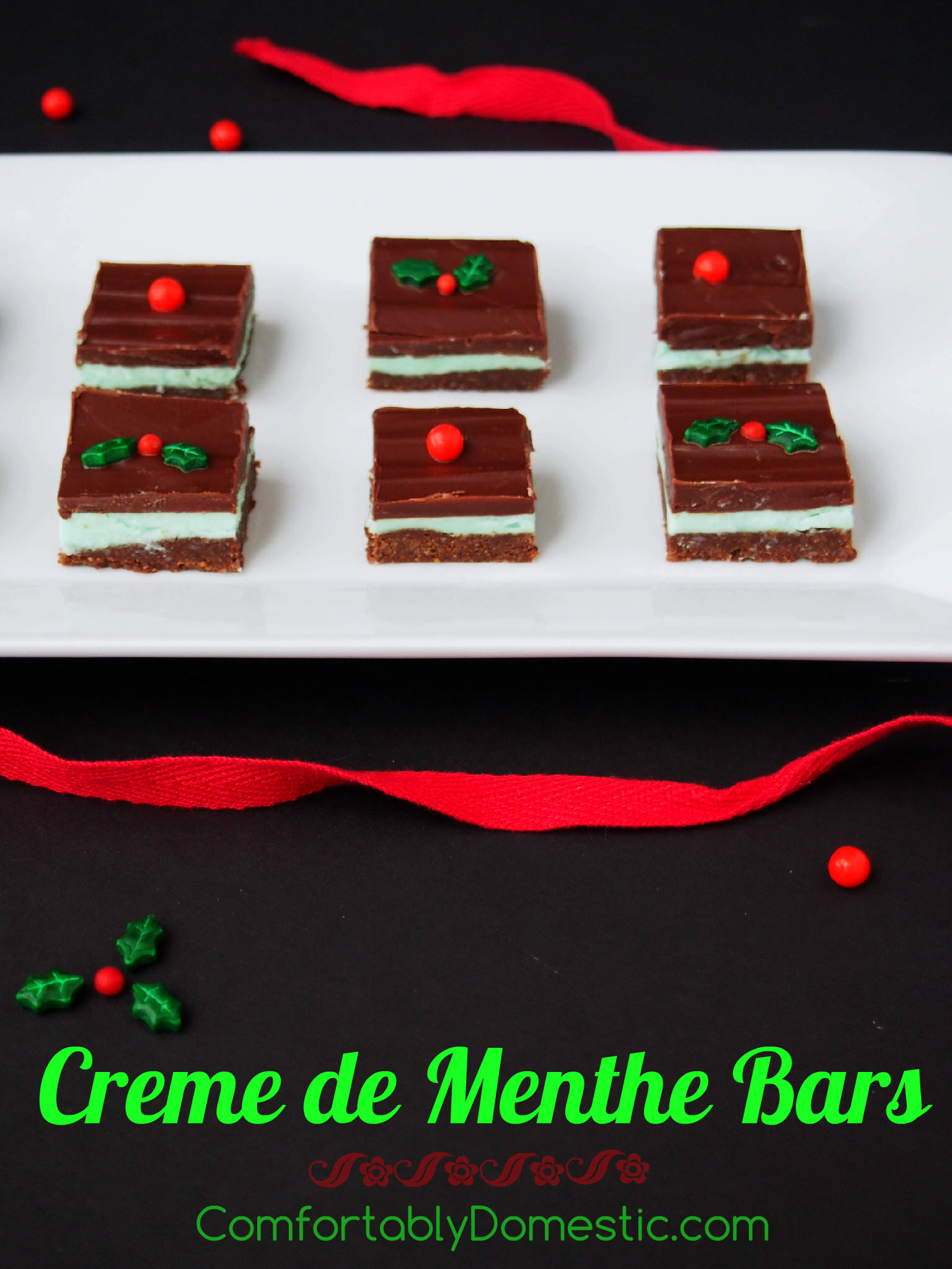 Crème de Menthe bars are a great holiday food gift! Refreshing mint, layered between rich chocolate ganache and a crunchy chocolate graham cracker crust. | ComfortablyDomestic.com