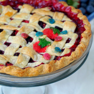 Mixed-Berry-Pie | ComfortablyDomestic.com