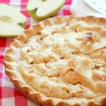Homemade Apple Pie Recipe | ComfortablyDomestic.com