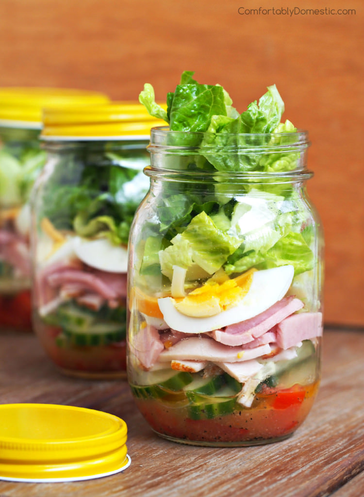 Easy-Chef-Salad-in-a-Jar | ComfortablyDomestic.com