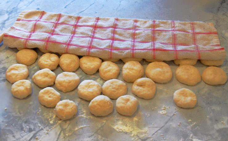 flour-tortilla-dough-balls